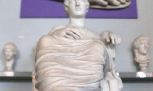 13 Atene-Brucia-veduta-dell'allestiemnto-foto-di-Eugenio-Corsetti-e-Francesca-Romana-Guarnaschelli-per-Laboratorio-Fotografico-Corsetti