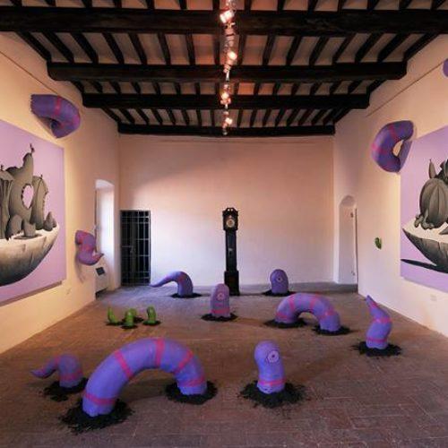 Sala del Castello di Arcidosso Installazione per Alterazioni Festival n.2 tele 200x290 e sculture in Polistirolo e acrilico 2014